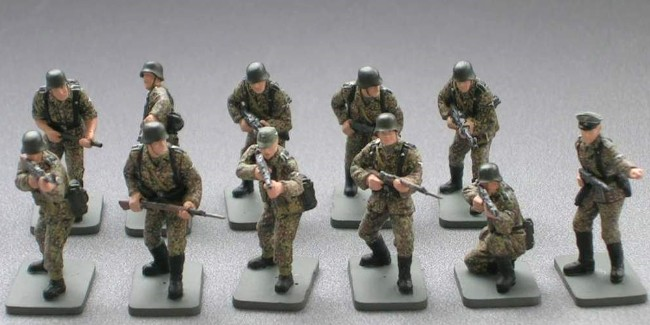 Caesar Miniatures 1/72 WWII German Late War Infantry (42) (D)