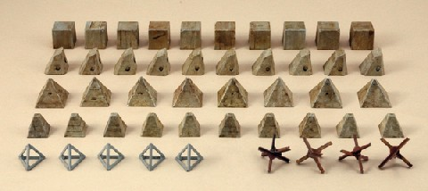 Image 0 of Italeri 1/72 Anti-Tank Obstacles