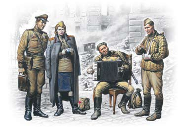 ICM Models 1/35 Soviet Military Men at Rest 1945 (3 & Woman)