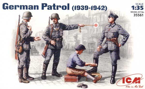 ICM Models 1/35 German Patrol 1939-1942 (3 & Shoeshine Boy)