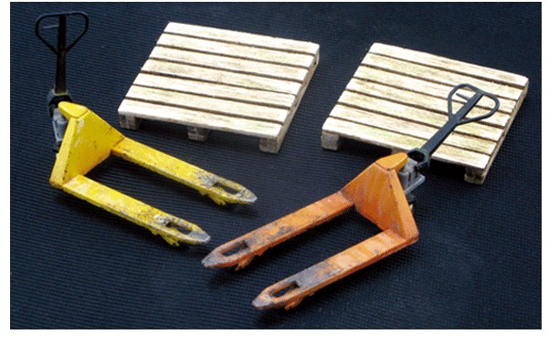Js Work Models 1/35 Pallet Truck w/Wooden Pallet (2ea) (Plastic Kit & Laser Cut)