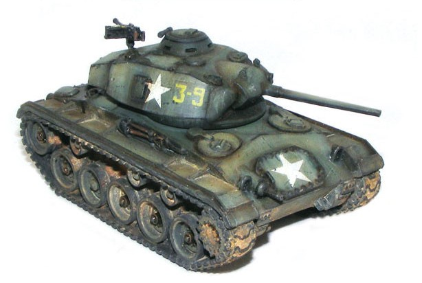 Warlord Games 28mm Bolt Action: WWII M24 Chaffee US Light Tank w/Commander (Resi